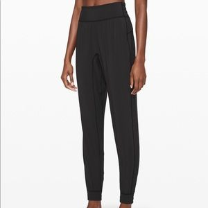 Lululemon Jogger (like new)